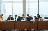 Am 2. Juni 2016 fand die 20. Sitzung des 2. NSU-Untersuchungsausschusses des Deutschen Bundestag statt. Als Zeuge der nichtöffentlichen Sitzung war Hans-Georg Maassen, Praesident des Bundesamt fuer Verfassungsschutz geladen.<br /> Im Bild vlnr: Sylvia Joerrissen, CDU; Armin Schuster, Armin Schuster, Ausschuss-Obmann der CDU und Clemens Binninger Ausschussvorsitzender, CDU sowie Mitarbeiter des Ausschusssekretariats.<br /> 2.6.2016, Berlin<br /> Copyright: Christian-Ditsch.de<br /> [Inhaltsveraendernde Manipulation des Fotos nur nach ausdruecklicher Genehmigung des Fotografen. Vereinbarungen ueber Abtretung von Persoenlichkeitsrechten/Model Release der abgebildeten Person/Personen liegen nicht vor. NO MODEL RELEASE! Nur fuer Redaktionelle Zwecke. Don't publish without copyright Christian-Ditsch.de, Veroeffentlichung nur mit Fotografennennung, sowie gegen Honorar, MwSt. und Beleg. Konto: I N G - D i B a, IBAN DE58500105175400192269, BIC INGDDEFFXXX, Kontakt: post@christian-ditsch.de<br /> Bei der Bearbeitung der Dateiinformationen darf die Urheberkennzeichnung in den EXIF- und  IPTC-Daten nicht entfernt werden, diese sind in digitalen Medien nach §95c UrhG rechtlich geschuetzt. Der Urhebervermerk wird gemaess §13 UrhG verlangt.]