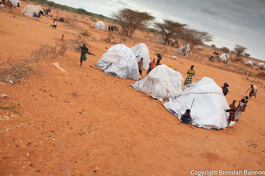 New tukols hastily built at the edge of Ifo camp by new arrivals. Thousands of Somali refugees are arriving each week and settling the areas around the main camps near Dadaab in Kenya. July 28, 2011.