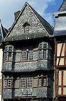 Europe/France/Bretagne/22/Côtes d'Armor/Lannion: Vieilles maisons de la place du Centre