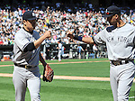 (L-R) Masahiro Tanaka, Derek Jeter (Yankees), MAY 25, 2014 - MLB : New York Yankees starting pitcher Masahiro Tanaka (19) bumps fists with Derek Jeter in the sixth inning during the MLB game between the Chicago White Sox and the New York Yankees at US Cellular Field in Chicago, United States. (Photo by AFLO)