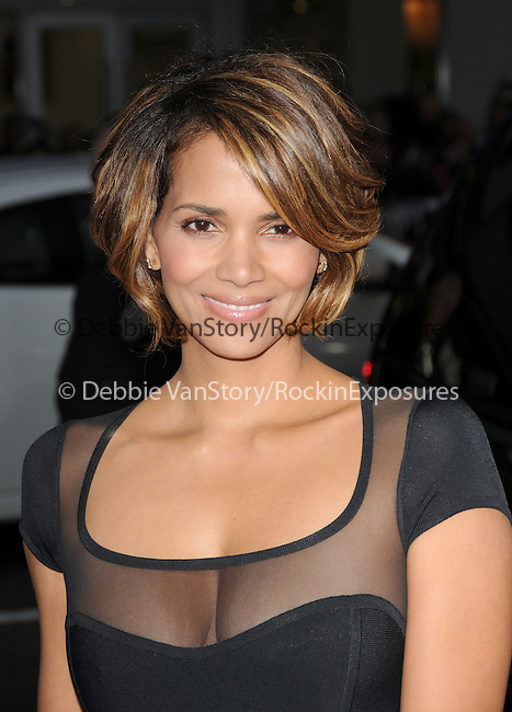 Halle Berry at The Twentieth Century Fox L.A. Screening of X-Men Origins - Wolverine held at The Grauman's Chinese Theatre in Hollywood, California on April 28,2009                                                                     Copyright 2009 Debbie VanStory/RockinExposures