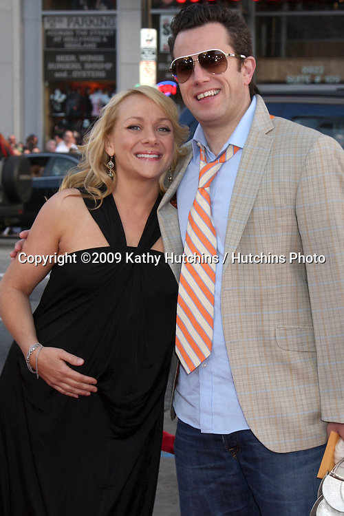 Nicole Sullivan & husband Jason Packham  arriving at the 17 Again Premiere at Grauman's Chinese Theater in Los Angeles, CA on April 14, 2009.©2009 Kathy Hutchins / Hutchins Photo....                .
