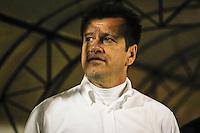 SÃO PAULO,SP,05 JUNHO 2013 - CAMPEONATO BRASILEIRO - POTUGUESA x INTERNACIONAL (RS) - Dunga tecnico  do Internacional durante partida entre Portuguesa x Internacional (RS) em jogo válido pela 04º rodada do Campeonato Brasileiro no Estádio  Doutor Osvaldo Teixeira Duarte (Canindé) na noite desta quarta feira (05).FOTO ALE VIANNA - BRAZIL PHOTO PRESS.