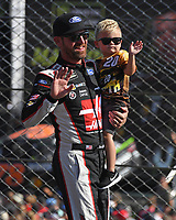 HOMESTEAD, FL - NOVEMBER 19: Clint Bowyer waves to the Crowd during the Monster Energy NASCAR Cup Series Championship Ford EcoBoost 400 at Homestead-Miami Speedway on November 19, 2017 in Homestead, Florida. Credit: mpi04/MediaPunch /NortePhoto.com