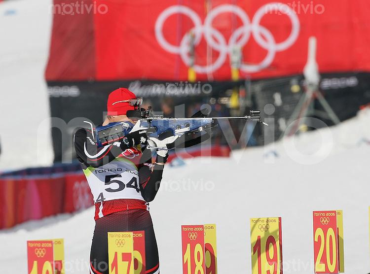 Olympia 20. Olympische Winterspiele 2006 Turin Biathlon 10 km Herren Feature, Schiesstand, Stehendschiessen, David Leoni (CAN)