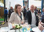 AMERSFOORT - Patty Smit (NGF) met Michel de Meijer (Jurassic Golf) . Nationaal Golf Congres & Beurs (Het Juiste Spoor) van de NVG.     © Koen Suyk.