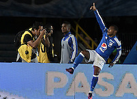 BOGOTA - COLOMBIA -20 -11-2016: Andres Escobar de Millonarios celebra después de anotar el segundo gol de su equipo a Independiente Medellín durante partido por la fecha 20 de la Liga Aguila II 2016 jugado en el estadio Nemesio Camacho El Campin de la ciudad de Bogota. / Andres Escobar of Millonarios celebrates after scoring the second goal of his team to Independiente Medellin during match for the date 20 of the Liga Aguila II 2016 played at the Nemesio Camacho El Campin Stadium in Bogota city. Photo: VizzorImage / Gabriel Aponte / Staff.