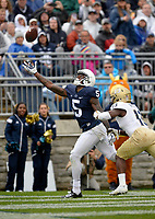 STATE COLLEGE, PA - SEPTEMBER 02:  Penn State WR DaeSean Hamilton (5) almost makes a one-handed catch in the end zone. The Penn State Nittany Lions defeated the Akron Zips 52-0 on September 2, 2017 at Beaver Stadium in State College, PA. (Photo by Randy Litzinger/Icon Sportswire)