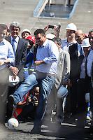 ATENCAO EDITOR IMAGEM EMBARGADA PARA VEICULOS INTERNACIONAIS - SAO PAULO, SP, 28 NOVEMBRO 2012 - COPA 2014 - VISTORIA ITAQUERAO - O ex jogador Ronaldo Nazario membro do COL durante vistoria da Fifa ao Itaquerao, estadio que sediada o jogo de abertura da Copa do Mundo de 2014, neste quarta-feira, 28. (FOTO: WILLIAM VOLCOV / BRAZIL PHOTO PRESS).