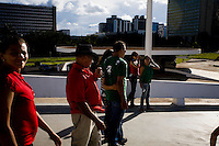 Brasilia_DF, Brasil...Turistas em Brasilia, Distrito Federal...The tourists in Brasilia, Federal District...Foto: JOAO MARCOS ROSA / NITRO