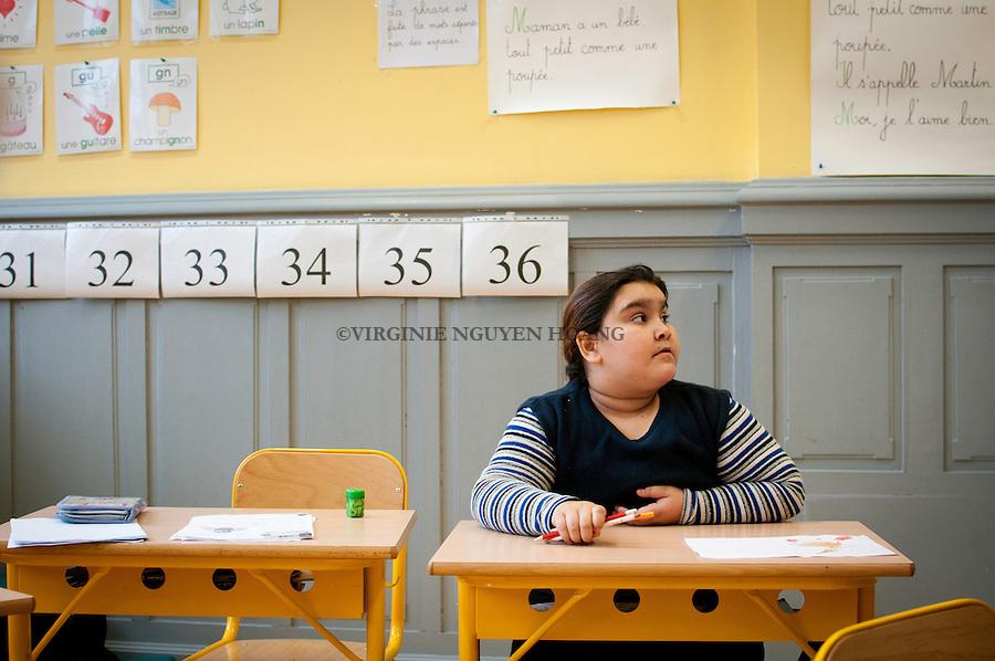 """Maria est en deuxième année primaire à l'école """"Les Tournesols"""" de Bruxelles."""