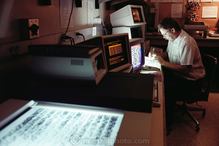 Human Genome Project: Cal Tech, Lee Hood Lab. Reading DNA Sequencing Gels: Computer Assisted.  1989.