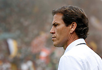 Calcio, Serie A: Roma vs Cagliari. Roma, stadio Olimpico, 21 settembre 2014.<br /> Roma coach Rudi Garcia, of France, looks on prior to the start of the Italian Serie A football match between AS Roma and Cagliari at Rome's Olympic stadium, 21 September 2014.<br /> UPDATE IMAGES PRESS/Riccardo De Luca
