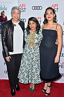 Jana Babatunde-Bey, Minhal Baig und Geraldine Viswanathan beim Screening des Kinofilms 'Hala' auf dem AFI Fest 2019 im TCL Chinese Theatre. Los Angeles, 18.11.2019