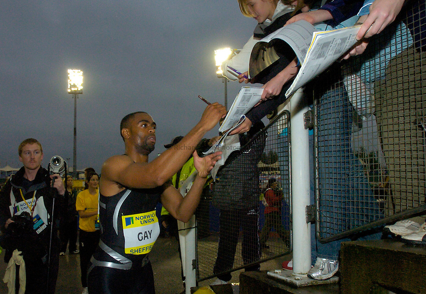 Photo: Richard Lane/Sportsbeat Images..Norwich Union British Grand Prix, Sheffield. 15/07/2007. .Tyson Gay of USA signs autographs after the Men's 100m.