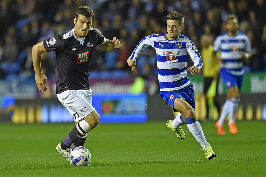 Derby County's Chris Martin (L) in action during todays match  <br /> <br /> Reading 0 - 1 Derby County<br /> <br /> Photographer David Horton/CameraSport<br /> <br /> Football - The Football League Sky Bet Championship - Reading v Derby County - Tuesday 15th September 2015 - Madejski Stadium - Reading<br /> <br /> &copy; CameraSport - 43 Linden Ave. Countesthorpe. Leicester. England. LE8 5PG - Tel: +44 (0) 116 277 4147 - admin@camerasport.com - www.camerasport.com