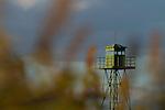 Wachturm, watch tower, Apetlon, Nationalpark Neusiedlersee, Seewinkel, Bezirk Neusiedl am See, Burgenland, Austria, Österreich.