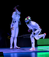 BOGOTA – COLOMBIA – 28 – 05 – 2017: Emese Szasz-Kovacs (Der.) de Hungria, celebra la victoria sobre Man Wai Vivian Kong (Izq.) de Hong Kong, durante la Final de Damas Mayores Epee del Gran Prix de Espada Bogota 2017, que se realiza en el Centro de Alto Rendimiento en Altura, del 26 al 28 de mayo del presente año en la ciudad de Bogota.  / Emese Szasz-Kovacs (R) from Hungary, celebrate the victory over Man Wai Vivian Kong (L) from Hong Kong, during the Final Senior Women´s Epee of the Grand Prix of Espada Bogota 2017, that takes place in the Center of High Performance in Height, from the 26 to the 28 of May of the present year in The city of Bogota.  / Photo: VizzorImage / Luis Ramirez / Staff.