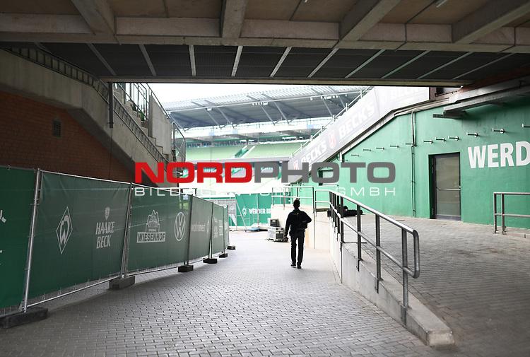 Blick ins leere Weserstadion.<br /><br />Sport: Fussball: 1. Bundesliga: Saison 19/20: 26. Spieltag: SV Werder Bremen - Bayer 04 Leverkusen, 18.05.2020<br /><br />Foto: Marvin Ibo GŸngšr/GES /Pool / via gumzmedia / nordphoto