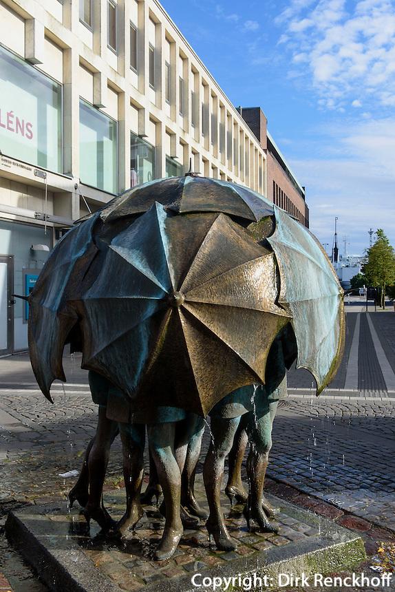 Skulptur &quot;B&ouml;st&quot; (Mistwetter) von Fred &Aring;berg in Trelleborg, Provinz Sk&aring;ne (Schonen), Schweden, Europa<br /> Skulptuer &quot;B&ouml;st&quot;  by Fred &Aring;berg in Trelleborg, Sweden