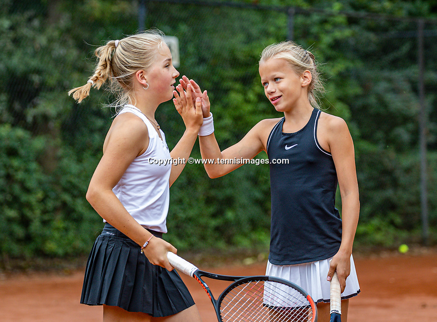 Hilversum, Netherlands, Juli 31, 2019, Tulip Tennis center, National Junior Tennis Championships 12 and 14 years, NJK, Girls Doubles: Pleun Splinter (NED) (R) and Senna van den Heuvel (NED)<br /> Photo: Tennisimages/Henk Koster