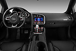 Straight dashboard view of a 2009 - 2012 Audi R8 V10 FSI Coupe.