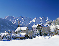 Austria, Upper Austria, Salzkammergut, Gosau: Wintersport resort at Dachstein mountains