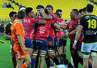 The Makos celebrate Jacob Norris' try during the Mitre 10 Cup rugby match between Wellington Lions and Tasman Makos at Westpac Stadium in Wellington, New Zealand on Sunday, 19 August 2018. Photo: Dave Lintott / lintottphoto.co.nz