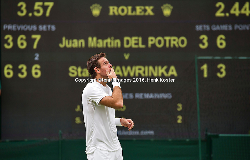 London, England, 01 July, 2016, Tennis, Wimbledon, Juan Martin Del Potro (ARG) celebrates his victory over Stanislas Wawrinka (SUI)<br /> Photo: Henk Koster/tennisimages.com