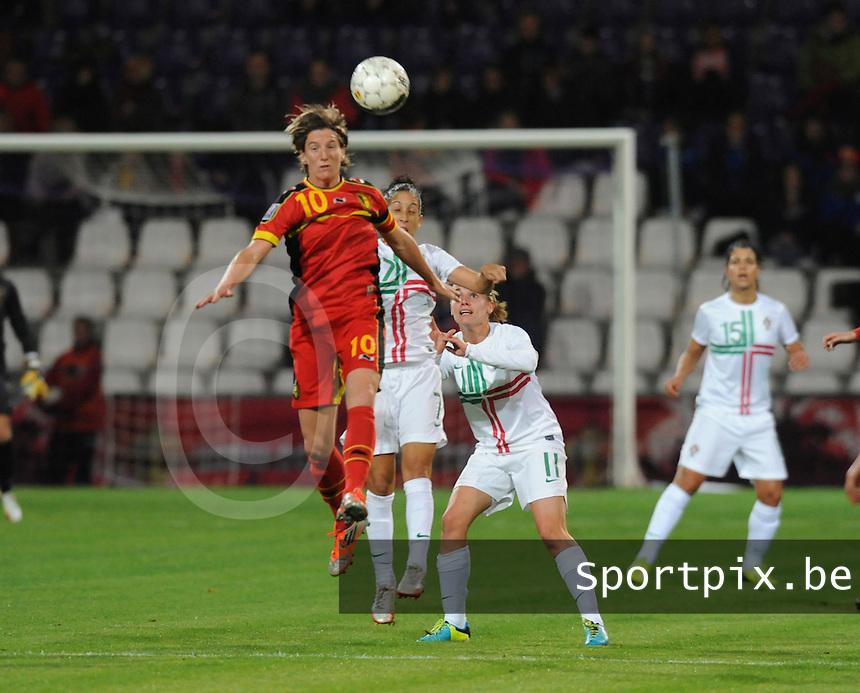 Belgian Red Flames - Portugal (31/10/2013) :<br /> Aline Zeler (L) springt hoger dan Claudia Neto (M) en Pisco (R)<br /> foto Dirk Vuylsteke / nikonpro.be