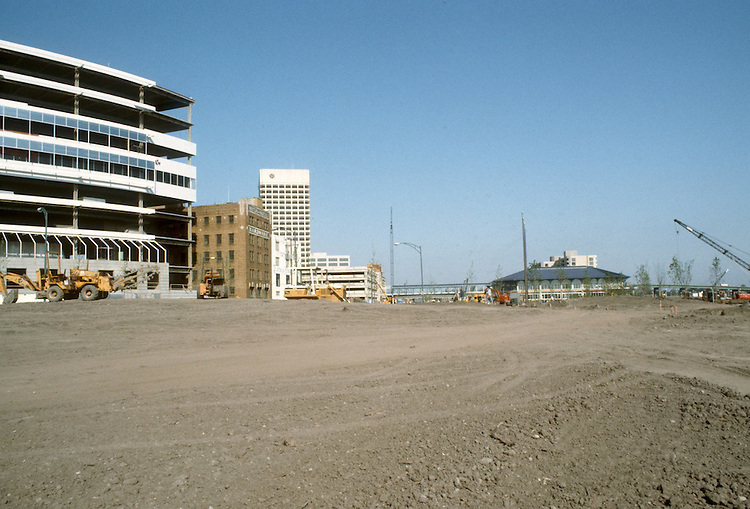 1983 May 18..Redevelopment...Downtown West (A-1-6)..TOWNE POINT PARK.CONSTRUCTION PHOTO...NEG#.NRHA#..