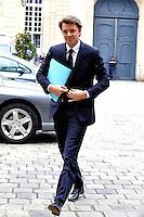 FRANCOIS BAROIN Ministro dell'Economia delle finanze e dell'Industria.02/11/2011 Parigi.Incontro tra il Primo Ministro Francese e i banchieri francesi a l'Hotel de Matignon.Foto Gerard Roussel / Panoramic / Insidefoto.........