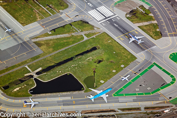 aerial photograph air traffic delays at San Francisco International Airport SFO waiting for takeoff