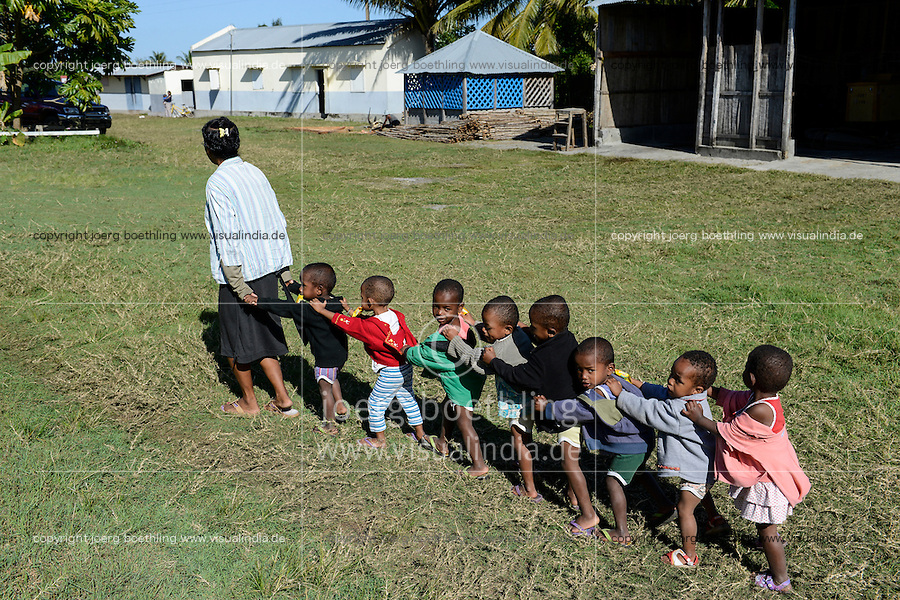 MADAGASCAR, Mananjary, tribe ANTAMBAHOAKA, fady, according to the rules of their ancestors twin children are a taboo and not accepted in the society, the orphanage FANATENANE Center takes care for abandoned twins  / MADAGASKAR, Zwillinge sind ein Fady oder Tabu beim Stamm der ANTAMBAHOAKA in der Region Mananjary, Waisenhaus FANATENANE Center betreut Zwillingskinder die ausgesetzt oder von ihren Eltern abgegeben wurden