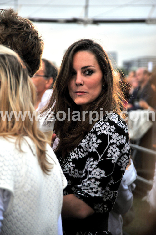 **ALL ROUND PICTURES FROM SOLARPIX.COM**.**WORLDWIDE SYNDICATION RIGHTS**.Prince William's girlfriend Kate Middleton and friends enjoying the Nelson Mandela concert in Hyde Park tonight..JOB REF:   6737     AB1        DATE:  27.06.08.**MUST CREDIT SOLARPIX.COM OR DOUBLE FEE WILL BE CHARGED* *UNDER NO CIRCUMSTANCES IS THIS IMAGE TO BE REPRODUCED FOR ANY ONLINE EDITION WITHOUT PRIOR PERMISSION*