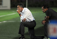 MEDELLIN - COLOMBIA -14-03-2014: Juan Carlos Osorio tecnico de Atletico Nacional da instrucciones durante partido contra de Deportivo Pasto por la fecha 11 en la Liga Postob—n I 2014 realizado en el estadio Atanasio Girardot de la ciudad de Medell'n./ Juan Carlos Osorio coach of Atletico Nacional gives directions during the match against Deportivo Pasto for the 11th date of Postobon League I 2014 at Atanasio Girardot stadium in Medellin city. Photo: VizzorImage / Luis R'os / STR