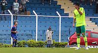 SAO CAETANO DO SUL, SP, 17 DE MARCO 2013 - CAMPEONATO PAULISTA - AD SAO CAETANO  X PALMEIRAS - Eder jogador do Sao Caetano comemora seu gol durante partida contra o Palmeiras em partida da 12 rodada do Campeonato Paulista no Estadio Anacleto Campanella neste domingo, 17.(FOTO: WILLIAM VOLCOV / BRAZIL PHOTO PRESS).