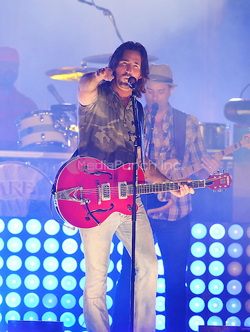 MIAMI GARDENS, FL - JANUARY 01: Country singer Jake Owen performs during the halftime show of the 2013 Discover Orange Bowl game between the Florida State Seminoles and the Northern Illinois Huskies at Sun Life Stadium on January 1, 2013 in Miami, Florida. The Seminoles defeated the Huskies 31-10.  © MPI10/MediaPunch Inc