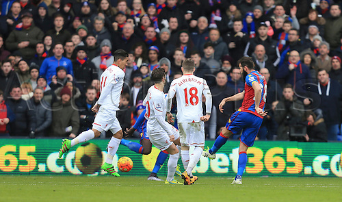 06.03.2016. Selhurst Park, London, England. Barclays Premier League. Crystal Palace versus Liverpool. Joe Ledley of Crystal Palace opens the scoring with a drive from the edge of the box.