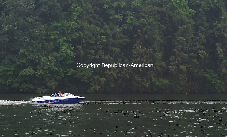 SOUTHBURY, CT 6/27/07- 062707BZ05- FOR COUNTRY LIFE-<br /> Jeff Guagenti, of Seymour, and his friend Ken Abate, of Ansonia, take a slow ride up Lake Zoar  in Southbury Wednesday.<br /> Jamison C. Bazinet Republican-American