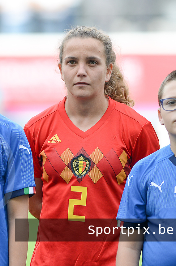 20180904 - LEUVEN , BELGIUM : Belgian Davina Philtjens pictured during the female soccer game between the Belgian Red Flames and Italy , the 8th and last game in the qualificaton for the World Championship qualification round in group 6 for France 2019, Tuesday 4 th September 2018 at OHL Stadion Den Dreef in Leuven , Belgium. PHOTO SPORTPIX.BE | DAVID CATRY