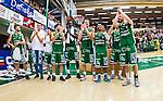 S&ouml;dert&auml;lje 2014-04-22 Basket SM-Semifinal 7 S&ouml;dert&auml;lje Kings - Uppsala Basket :  <br /> S&ouml;dert&auml;lje Kings spelar jublar efter matchen<br /> (Foto: Kenta J&ouml;nsson) Nyckelord:  S&ouml;dert&auml;lje Kings SBBK Uppsala Basket SM Semifinal Semi T&auml;ljehallen jubel gl&auml;dje lycka glad happy