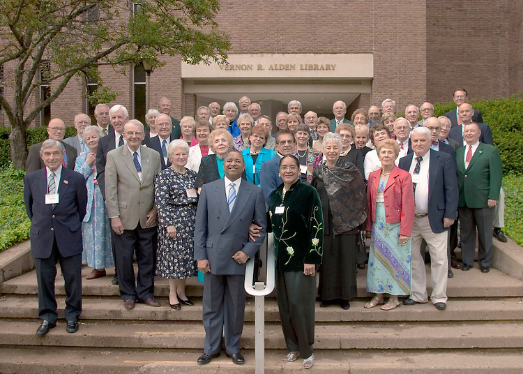 16966Golden Era Reunion Class Photograph: Photo by Edmund Lo 4/30/05