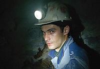 RUMAENIEN, 04.2013, Rosia Montana (Apuseni-Gebirge). Das kanadische Unternehmen Gabriel Resources versucht seit Jahren Europas groesstes Gold-Tagebau-Bergwerk mit Zyanid-Technologie zu eroeffnen. Verantwortlich vor Ort ist die Rosia Montana GOLD Corporation RMGC. Gold-Bergleute unter Tage bei archaeologischen Sicherungsarbeiten. Schaechte und Galerien reichen bis in roemische Zeiten zurück. Das Unternehmen behauptet, hieraus wuerde ein Besucherbergwerk gemacht, waehrend darueber der neue Cirnic-Tagebau wueten soll... | The Canadian company Gabriel Resources has been trying for years to open Europe's biggest open pit gold mine based on cyanide technology. The local subsidiary is the Rosia Montana GOLD corporation RMGC. Gold-miners underground engaged in archeological rescue work. Many shafts and galleries date back to Roman times. According to the company this will become a visitors' mine while above the new Cirnic open pit mine will be raging...<br /> © Martin Fejer/EST&OST