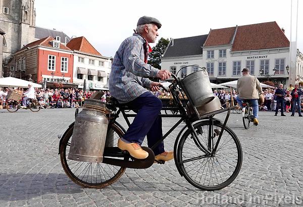 Nederland - Bergen op Zoom - 16 september 2018. Transportfietsenclub uit Alphen.  Op zondag 16 september 2018 vindt in Bergen op Zoom de Brabant Stoet plaats. Dit is een grootst opgezet festival van de lopende cultuur. Deze vorm van cultuur is kenmerkend voor Brabant. In de Brabant Stoet zijn zo'n honderd vormen van lopende (en rijdende) cultuur te zien zoals gilden, fanfares, steltlopers, reuzen, carnaval, ommegangen en praalwagens. De Brabant Stoet wordt samengesteld met groepen uit zowel Noord-Brabant als Vlaams- en Waals-Brabant.   Foto Berlinda van Dam / Hollandse Hoogte