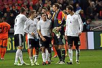 Deutsche Nationalspieler klatschen ab: Roman Neustädter, Lewis Holtby, Phililpp Lahm, Manuel Neuer, Benedikt Hoewedes