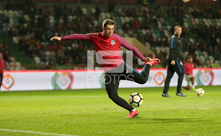 Leiria, Portugal - Tuesday November 14, 2017: Lynden Gooch  during an International friendly match between the United States (USA) and Portugal (POR) at Estádio Dr. Magalhães Pessoa.
