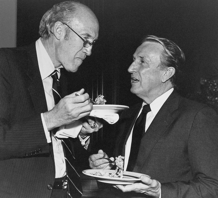 Sen. Dale Bumpers, R-Ark. and Sen. Alan K. Simpson, R-Wyo., at Senate Pasta Dinner. The National Pasta Association provided dinner for the Senators and then lunch the next day for the House Members. Of the several different delicious pasta dishes, more were gourmet style than the down home and 'slurp-up' pasta most people eat on October 3, 1989. (Photo by Maureen Keating/CQ Roll Call)