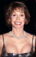 Mary Tyler Moore and Carol Burnett 1998<br /> Photo By John Barrett/PHOTOlink.net / MediaPunch