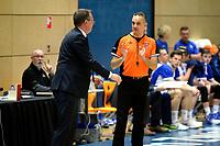 ZWOLLE - Basketbal, Landstede - Donar, Halve finale beker, seizoen 2017-2018, 18-02-2018, Donar coach Erik Braal in gesprek met arbiter